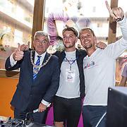 NLD/Utrecht/20180904 - Armin van Buuren opent muziekstudio in het Maxima Medisch Centrum Armin van Buuren en Burgemeester van Zaanen