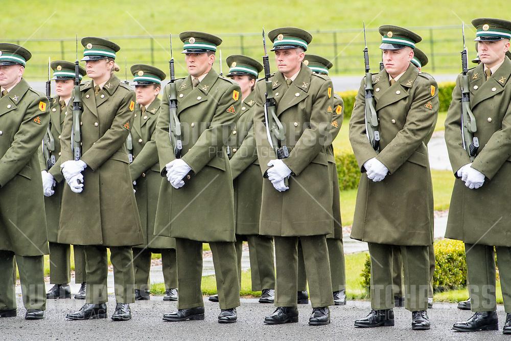 Ceremonieel tijdens de Welkomstceremonie en het ontvangst in het Presidentieel Paleis Aras an Uachtarain in Dublin, op dag 1 van het 3-daags staatsbezoek van het Nederlands Koningspaar aan Ierland.