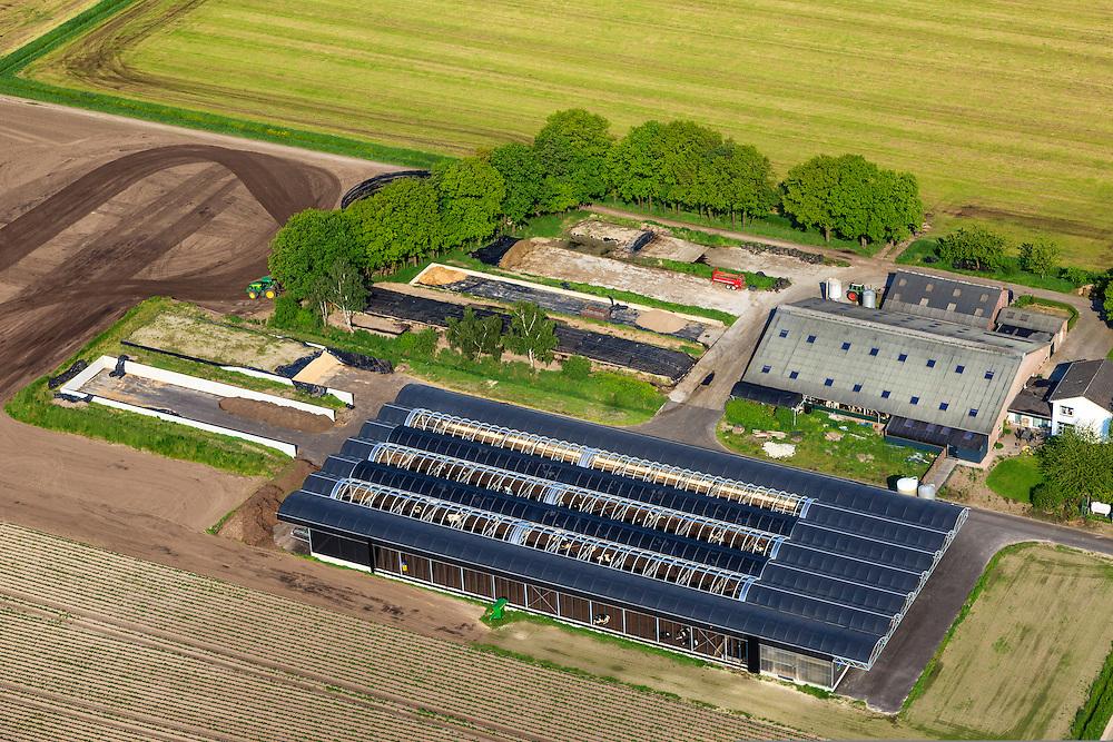 Nederland, Noord-Brabant, Gemeente Liessel, 27-05-2013; Heibloem, Boerderijweg.<br /> Megastal voor koeien.<br /> Mega Stable for cows.<br /> luchtfoto (toeslag op standard tarieven)<br /> aerial photo (additional fee required)<br /> copyright foto/photo Siebe Swart