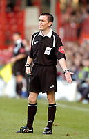 Photo: Leigh Quinnell.<br /> Brentford v Huddersfield Town. Coca Cola League 1. 21/01/2006. Referee Keith Stroud.
