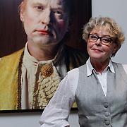 NLD/Amsterdam/20110926 -Onthulling foto's van Nederlandse acteurs in het DelaMar theater, Marianne van Wijnkoop