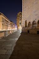 Il centro storico di Genova di notte. The historical city center at night.