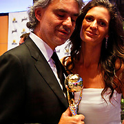 MON/Monte Carlo/20100512 - World Music Awards 2010, Andrea Bocelli en partner Veronica