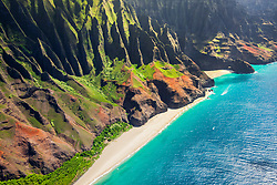 Kalalau Beach and Honopu Beach or Cathedral Beach with natural arch, Na Pali Coast, Kauai, Hawaii, USA, Pacific Ocean