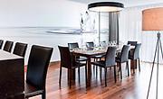 Prise de vue de la salle à manger de la suite présidentielle de l'hôtel Le Méridien Nouméa situé en Nouvelle Calédonie.
