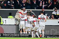 30.12.2015, Mercedes Benz Arena, Stuttgart, GER, 1. FBL, VfB Stuttgart vs Hamburger SV, 19. Runde, im Bild jubel nach dem 1:0 von Daniel Didavi (VfB Stuttgart) // during the German Bundesliga 19th round match between VfB Stuttgart and Hamburger SV at the Mercedes Benz Arena in Stuttgart, Germany on 2015/12/30. EXPA Pictures © 2016, PhotoCredit: EXPA/ Eibner-Pressefoto/ Langer<br /> <br /> *****ATTENTION - OUT of GER*****