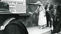 1915 Mary Pickford at WW1 war bond drive