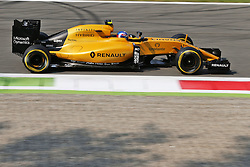 Jolyon Palmer (GBR) Renault Sport F1 Team RS16.<br /> <br />  bei den Vorbereitungen zum GP von Italien 2016 in Monza<br /> <br /> / 020916<br /> <br /> *** Formula One Grand Prix of Italy on September 2, 2016 in Monza, Italy. ***