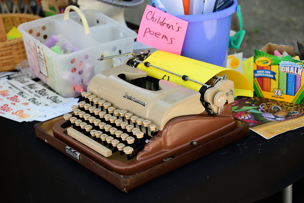Got a poem that's just itchin' to get out of your head and on paper? Tickle that Underwood keyboard!