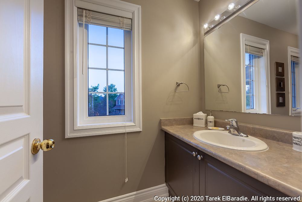 2223 Briargrove Circle, Oakville   Real Estate Photography
