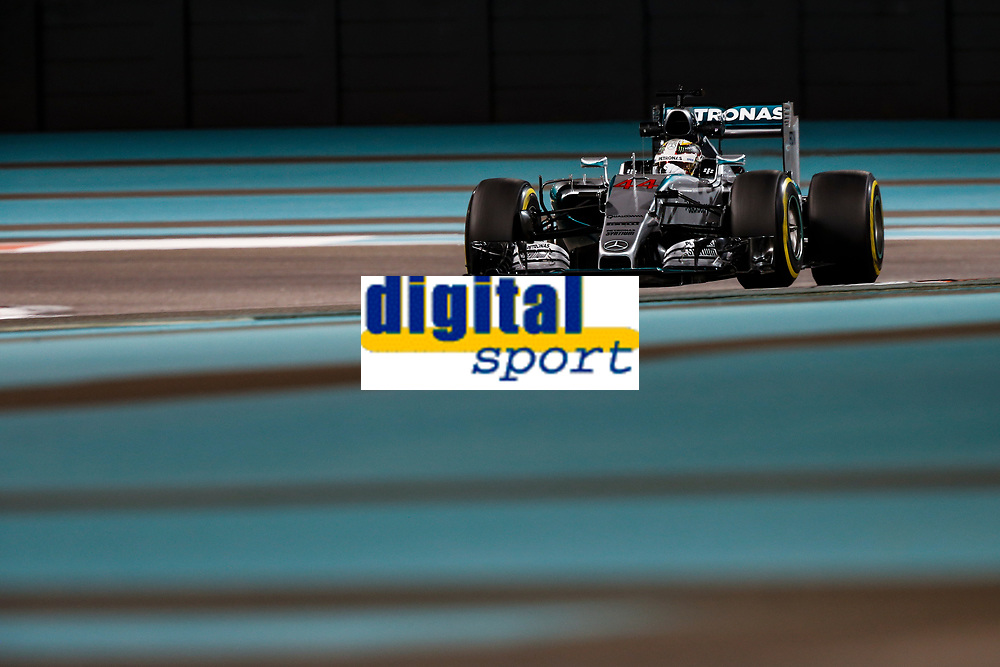 HAMILTON lewis (gbr) mercedes gp mgp w06 action during the 2015 Formula One World Championship, Abu Dhabi Grand Prix from November 27th to 29th 2015 in Yas Marina. Photo Florent Gooden / DPPI