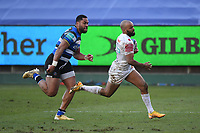 Rugby Union - 2020 / 2021 Gallagher Premiership - Round 12 - Bath vs Exeter Chiefs - Recreation Ground<br /> <br /> Exeter Chiefs' Tom O'Flaherty evades the tackle of Bath Rugby's Joe Cokanasiga to score his sides sixth try.<br /> <br /> COLORSPORT/ASHLEY WESTERN