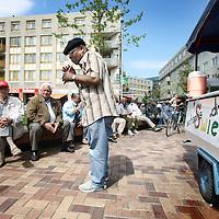 Nederland, Amsterdam , 20 mei 2010..Surinamers bij de Amsterdamse Poort..Foto:Jean-Pierre Jans