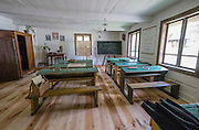 Ekspozycja dawnej wiejskiej szkoły. Muzeum Wsi Kieleckiej – Park Etnograficzny w Tokarni.