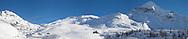 Panoramica dell'Alpe campagneda Lanzada (SO). Ai piedi del pizzo Scalino il rifugio Ca' Runcasch