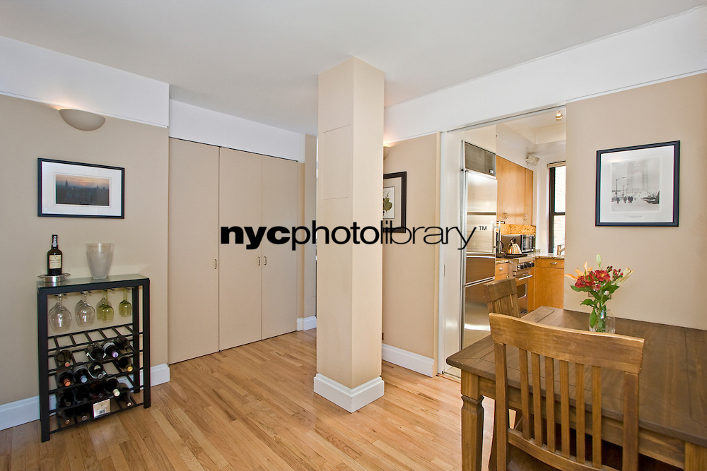 Foyer at 315 West 86th Street