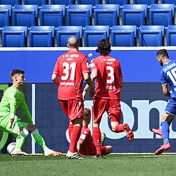 Tor zum 3:0: Munas Dabbur (Hoffenheim, r.) trifft gegen Torwart Moritz Nicolas (Union Berlin, l.).<br /> <br /> Sport: Fussball: 1. Bundesliga: Saison 19/20: 33. Spieltag: TSG 1899 Hoffenheim - 1. FC Union Berlin, 20.06.2020<br /> <br /> Foto: Markus Gilliar/GES/POOL/PIX-Sportfotos<br /> <br /> Foto © PIX-Sportfotos *** Foto ist honorarpflichtig! *** Auf Anfrage in hoeherer Qualitaet/Aufloesung. Belegexemplar erbeten. Veroeffentlichung ausschliesslich fuer journalistisch-publizistische Zwecke. For editorial use only. DFL regulations prohibit any use of photographs as image sequences and/or quasi-video.