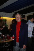 Nicholas Parsons, Opening night of Dralion. Cirque de Soleil's 20th anniversary. Royal Albert Hall. 6 jan 2005. ONE TIME USE ONLY - DO NOT ARCHIVE  © Copyright Photograph by Dafydd Jones 66 Stockwell Park Rd. London SW9 0DA Tel 020 7733 0108 www.dafjones.com
