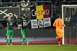 (L-R) Sam Larsson of Feyenoord, Steven Berghuis of Feyenoord, goalkeeper Bram Castro of Heracles Almelo during the Dutch Eredivisie match between Heracles Almelo and Feyenoord Rotterdam at Polman stadium on September 09, 2017 in Almelo, The Netherlands