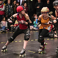 West Yorkshire's Hot Wheels take on Nottingham's Hellfire Harlots in the first bout of the 2015 UKRDA Northern Tier 2 British Championships at Manchester Academy, 2015-02-01