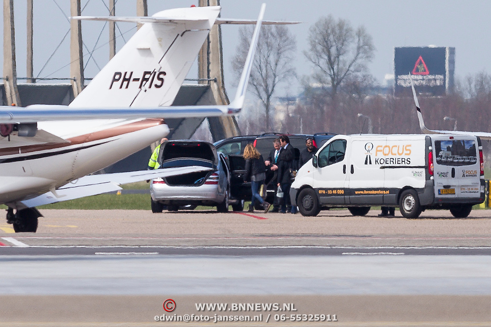 NLD/Amsterdam/20130421 - Beyonce Knowles arriving in Amsterdam airport to perform with her Mrs.Cartr world tour