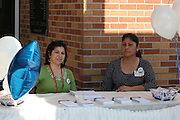 Parents at Hartman MS offer up information on the 2012 Houston Schools Bond.<br />