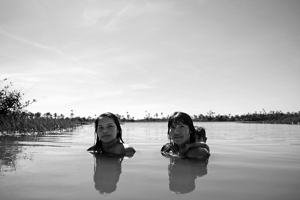 Aldeia Ipatse, etnia Kuikuro, Alto Xingu.