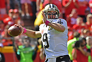 KANSAS CITY, MO - OCTOBER 23:  Quarterback Drew Brees #9 of the New Orleans Saints drops back to pass against the Kansas City Chiefs during the first half on October 23, 2016 at Arrowhead Stadium in Kansas City, Missouri.  (Photo by Peter G. Aiken/Getty Images) *** Local Caption *** Drew Brees