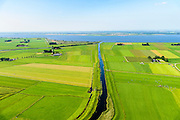 Nederland, Overijssel, Kampen, 23-08-2016; polders ten westen van Genemuiden, Kampereiland. Kamperzeedijk grenzend aan Zwarte Meer.<br /> Polders west of Genemuiden, Kampereiland. Kamperzeedijk adjacent to Black Lake.<br /> luchtfoto (toeslag op standard tarieven);<br /> aerial photo (additional fee required);<br /> copyright foto/photo Siebe Swart