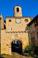 France, Tarn (81), Cordes-sur-Ciel, village médiéval bâti sur le puech de Mordagne, porte de l'Horloge, XIVe et XVIe siecle, escalier du Pater Noster // France, Tarn (81), Cordes-sur-Ciel, medieval village built on the puech de Mordagne, Door of the Clock, 14th and 16th century, staircase of the Pater Noster