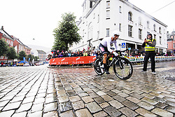 September 20, 2017 - Bergen, NORWAY - 170920 Christopher Froome of Great Britain starts the climb towards Mt. Fløyen during the Men Elite Individual Time Trial on September 20, 2017 in Bergen..Photo: Jon Olav Nesvold / BILDBYRÃ…N / kod JE / 160023 (Credit Image: © Jon Olav Nesvold/Bildbyran via ZUMA Wire)