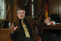 07 APR 2000, BERLIN/GERMANY:<br /> Prof. Dr. Andreas Troge, Präsident Umweltbundesamt, während einem Interview, in seinem Büro, Umweltbundesamt<br /> IMAGE: 20000407-01/02-36