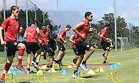 Fotball<br /> Tyskland<br /> 10.01.2014<br /> Foto: imago/Digitalsport<br /> NORWAY ONLY<br /> <br /> Cape Town Training camps VfB Stuttgart in Cape Town front from left Georg Lower Meier Mohammed Abdellaoue in Background the Table Mountain