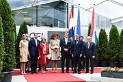 Staatsbezoek aan Luxemburg dag 3 / State visit to Luxembourg day 3<br /> <br /> Op de foto / On the photo: Bezoek aan CFL Multimodal/ bij rail-road wisselstation  met Koning Willem Alexander en koningin Maxima met Groothertog Henri en Groothertogin Maria Teresa / Visit to CFL Multimodal / at rail-road substation with  King Willem Alexander and Queen Maxima with Grand Duke Henri and Grand Duchess Maria Teresa
