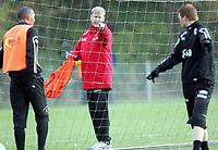 Fotball<br /> Trening Norge A<br /> Brøndby<br /> 08.11.2005<br /> Foto: Morten Olsen, Digitalsport<br /> <br /> Åge Hareide - together with John Carew (L) - Lyon and John Arne Riise - Liverpool
