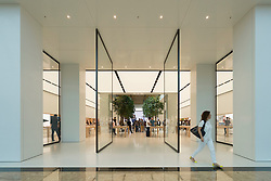 New Apple store in Mall of the Emirates, Dubai United Arab Emirates