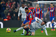 Ruben Loftus-Cheek of Crystal Palace (L) challenges Gylfi Sigurdsson of Everton (R). Premier League match, Crystal Palace v Everton at Selhurst Park in London on Saturday 18th November 2017.<br /> pic by Steffan Bowen, Andrew Orchard sports photography.