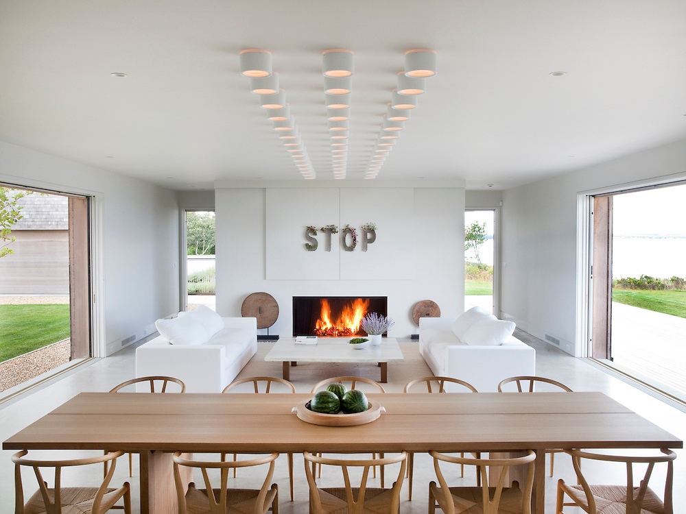 Martha's Vineyard house. Living Room and Dining area. Architect: Claudia Noury-Ello. Designer: Christine Lane Interiors
