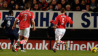 Photo: Daniel Hambury.<br />Charlton Athletic v Manchester City. Barclays Premiership.<br />04/12/2005.<br />City's Andrew Cole scores the first goal.