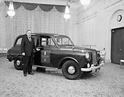 "Ackroyd 10333-1. ""Benson Hotel. English taxi. June 2, 1961"" (Austin FX-4)"