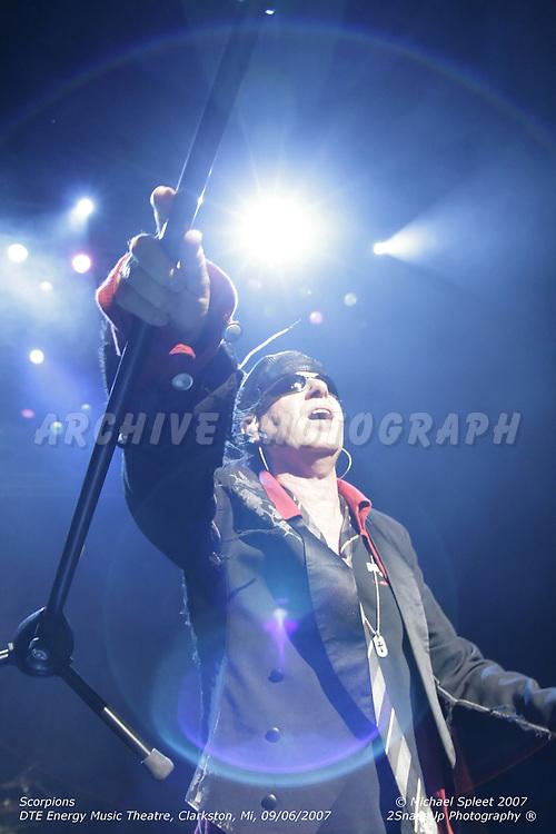CLARKSTON, MI, THURSDAY, SEPT. 6, 2007 : Scorpions, Klaus Meine at DTE Energy Music Theatre, Clarkston, MI, 09/06/2007. (Image Credit: Michael Spleet / 2SnapsUp Photography)
