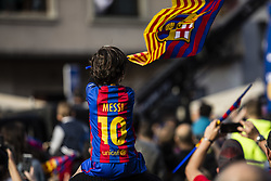 April 30, 2018 - Barcelona, Catalonia, Spain - Young fan with Leo Messi t-shirt during the FC Barcelona Victory Parade at the streets of Barcelona on 30 of April of 2018 in Barcelona. (Credit Image: © Xavier Bonilla/NurPhoto via ZUMA Press)