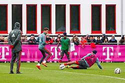 14.03.2019, Säbener Strasse, Muenchen, GER, 1. FBL, FC Bayern Muenchen vs 1. FSV Mainz 05, Training, im Bild v.l. CO Trainer Robert Kovac (FC Bayern), Leon Goretzka (FC Bayern), Kingsley Coman (FC Bayern), Jerome Boateng (FC Bayern) // during a trainings session before the German Bundesliga 26th round match between FC Bayern Muenchen and 1. FSV Mainz 05 at the Säbener Strasse in Muenchen, Germany on 2019/03/14. EXPA Pictures © 2019, PhotoCredit: EXPA/ Lukas Huter