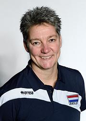 28-12-2015 NED: Nederlands Volleybalteam vrouwen, Arnhem<br /> Nederlands volleybalteam vrouwen op de foto met de nieuwe sponsorshirt ilionx / Assistent Coach Saskia van Hintum