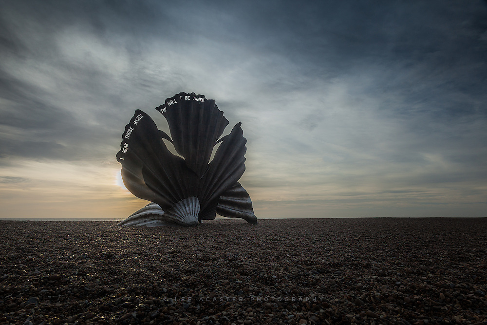 Had a failry dreary sunrise at Aldeburgh on Saturday, starte doff promising before dawn but then the cloud did it's dirty work. This is the Maggi Hambling sculpture on the beach that casued much controversy, and is regulalry defaced with grafitti. I quit elike it myself