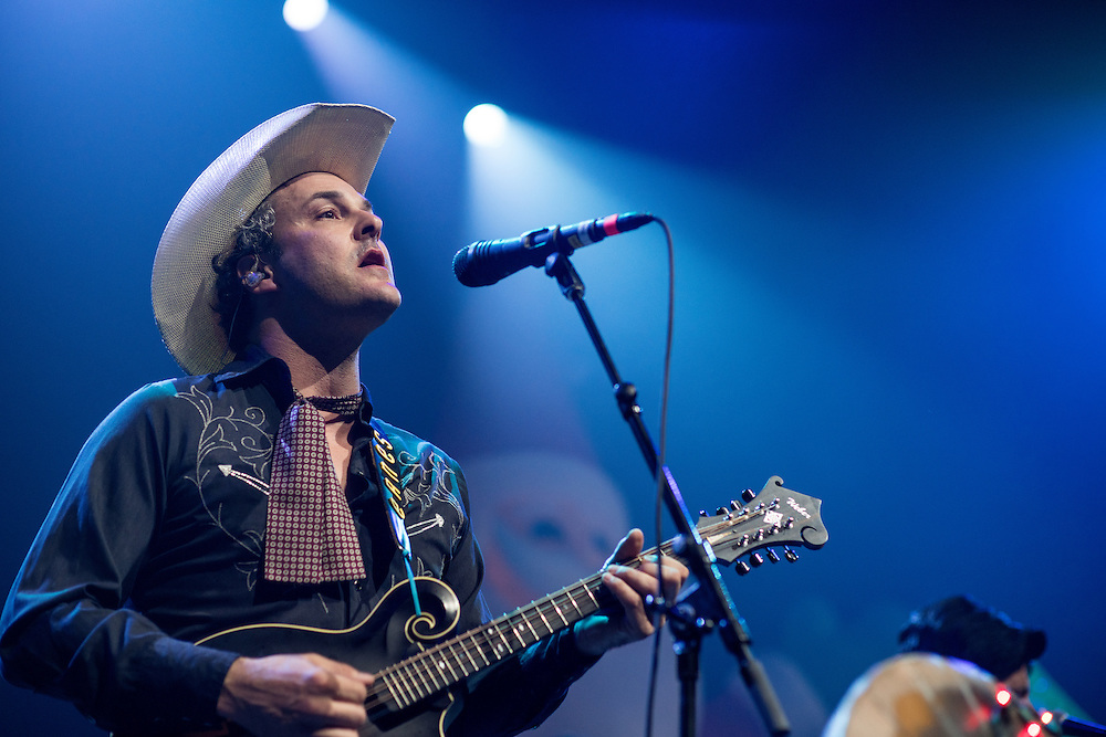 Kym Warner. Robert Earl Keen and the Robert Earl Keen Band live in concert at the ACL Live Moody Theater in Austin, Texas, Saturday, December 19 2015. Photograph © 2015 Darren carroll