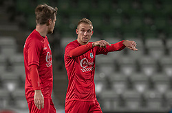 Jonas Henriksen (FC Helsingør) i snak med Nikolaj Hansen under kampen i 1. Division mellem Viborg FF og FC Helsingør den 30. oktober 2020 på Energi Viborg Arena (Foto: Claus Birch).