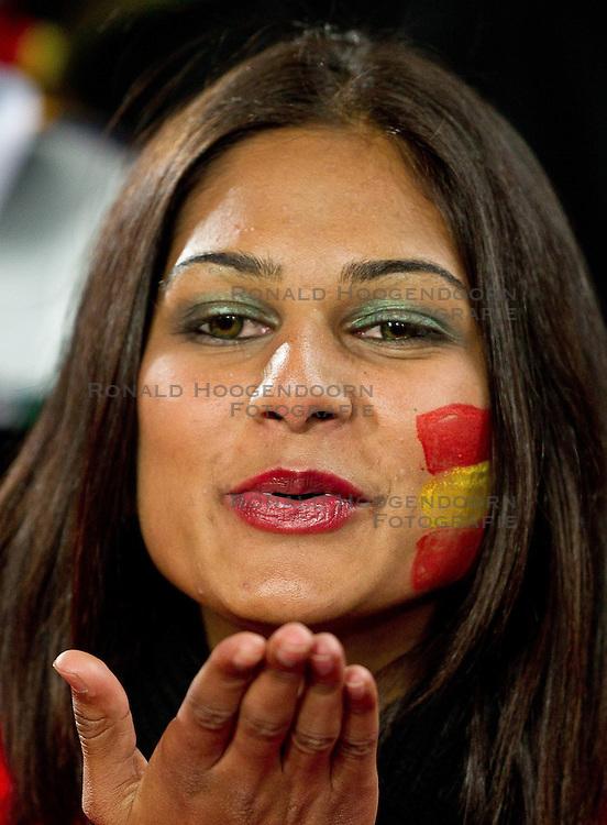 21-06-2010 VOETBAL: FIFA WORLDCUP 2010 SPANJE - HONDURAS: JOHANNESBURG <br /> Publiek fan spanje kus handkus<br /> ©2010-FRH- NPH/ Vid Ponikva (Netherlands only)