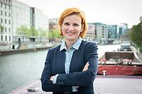 18 MAY 2020, BERLIN/GERMANY:<br /> Katja Kipping, MdB, Die Linke, Parteivorsitzende Die Linke, auf dem Redaktionsschiff ThePioneer ONE auf der Spree<br /> IMAGE: 20200518-01-055