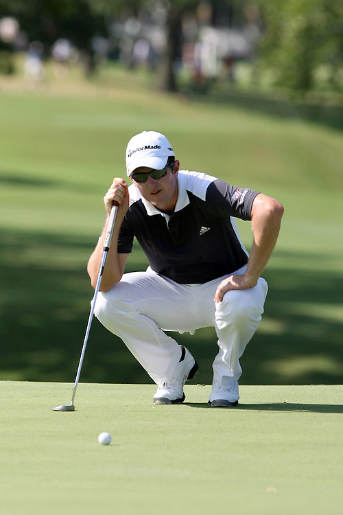 09 August 2007: Rory Sabbatini analyzes the 9th green during the first round of the 89th PGA Championship at Southern Hills Country Club in Tulsa, OK.